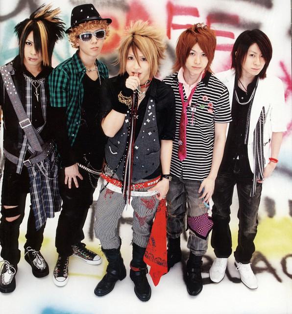 Yuuki (J-Pop Idol), Takuya (J-Pop Idol), Teruki, Akiharu Tsukiyama, Kanon (J-Pop Idol)