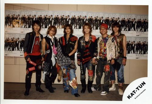Junnosuke Taguchi, Jin Akanishi, Yuichi Nakamaru, Kazuya Kamenashi, Tatsuya Ueda