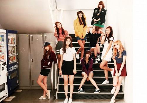 Yoona, Sunny, Sooyoung, Jessica, Yuri (Girls Generation)
