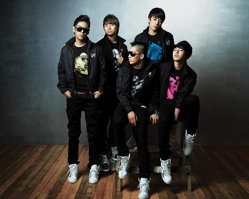 Taeyang, G-Dragon, T.O.P., Daesung, BIGBANG
