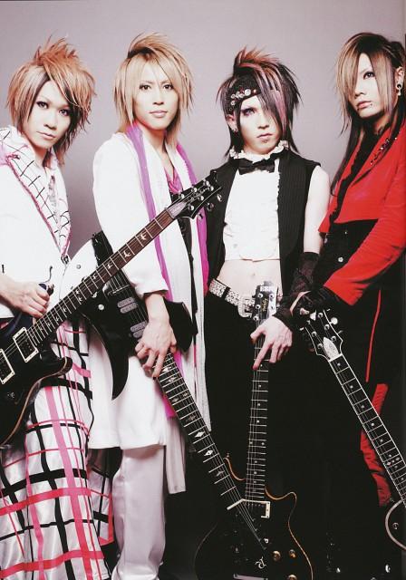 Masato (J-Pop Idol), Kazuki (J-Pop Idol), SuG, Manabu (J-Pop Idol), ScReW